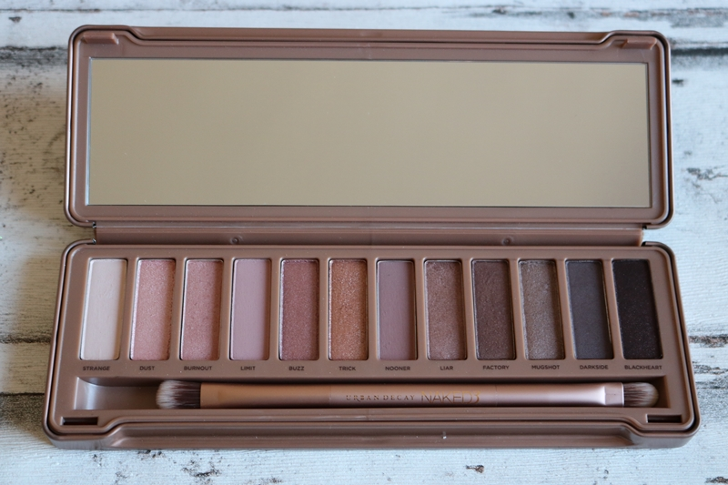 Urban Decay Naked Paletten Vergleich - Naked 3 - Beauty - Lidschattenpaletten - Fashionladyoves by Tamara Wagner - Beautyblog