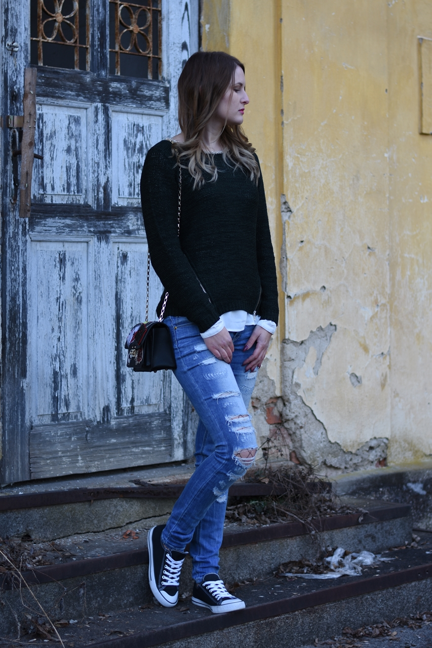 ripped-jeans-fishnet-tights-fashionladyloves-11