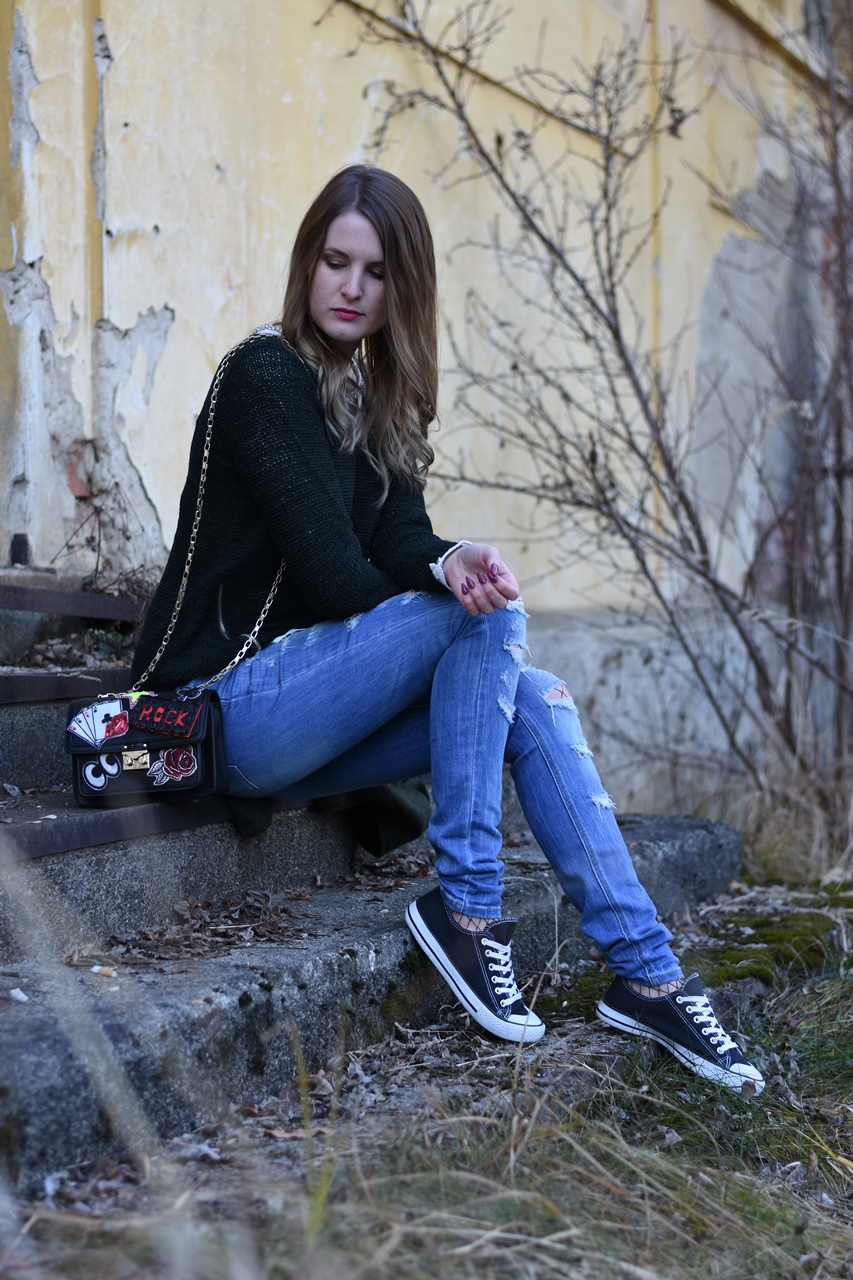 ripped-jeans-fishnet-tights-fashionladyloves-5