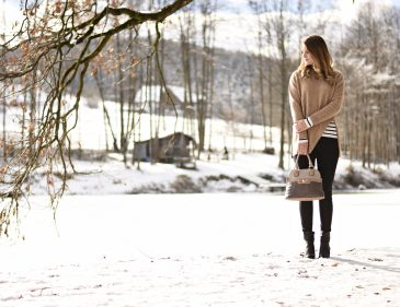 Stripes in the Snow - Winteroutfit - Fashionladyloves