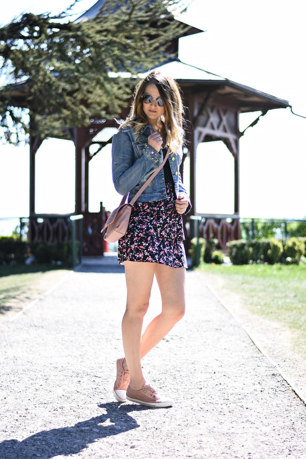 Denim Love - Jeansjacke trifft Blumenkleid - Outfit - Frühlingslook - Fashionladyloves