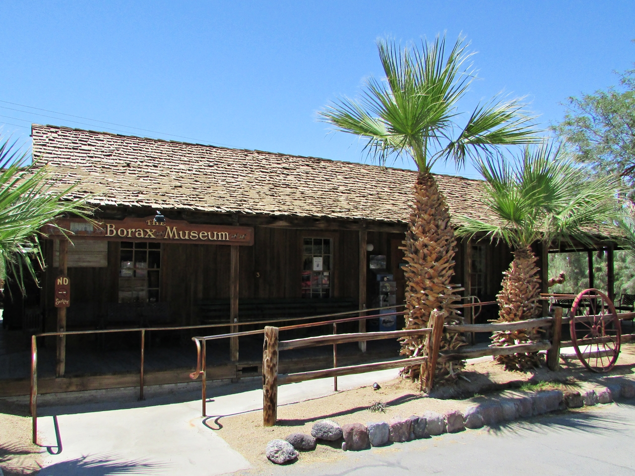 Westküste USA Rundreise - Death Valley Furnance Creek Borax Mine Museum - Fashionladyloves