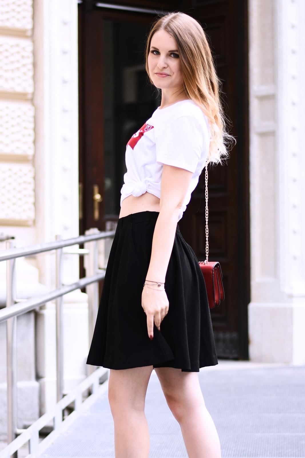 Brand Shirt kombinieren - so stylst du dieses Trend Teil - Levis - Statement - Love Bag - Basic - Rock - Converse - Fashionladyloves by Tamara Wagner Fashionblog