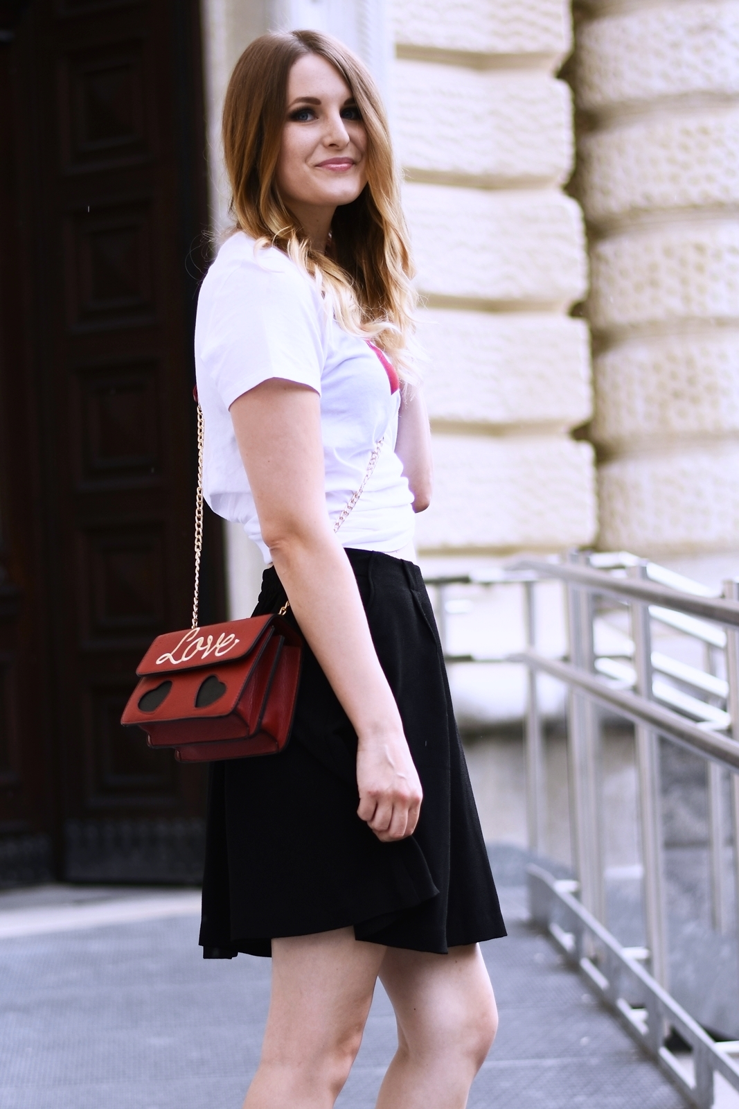 Brand Shirt kombinieren - so stylst du dieses Trend Teil - Levis - Statement - Love Bag - Basic - Rock - Converse - Fashionladyloves by Tamara Wagner Fashionblog