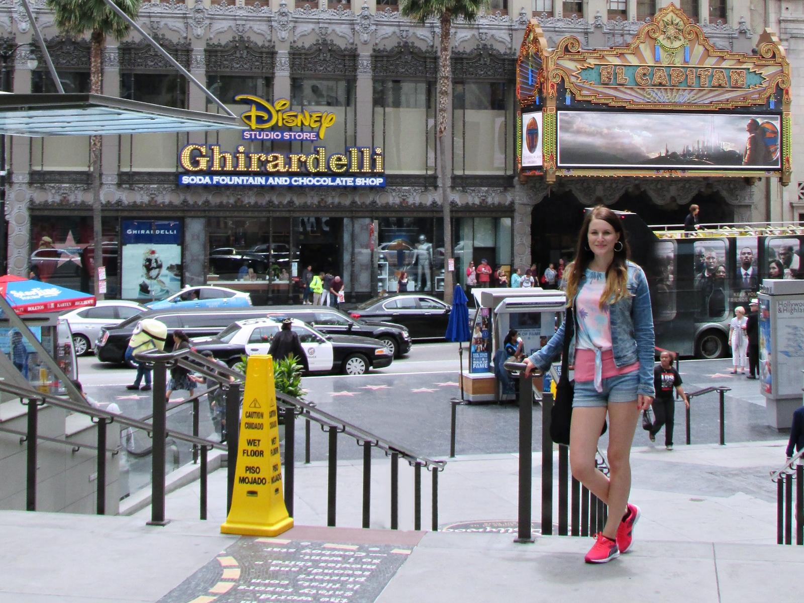Hollywood Chirardelli - USA Roadtrip - Amerika Rundreise - Fashionladyloves by Tamara Wagner - Travelblog