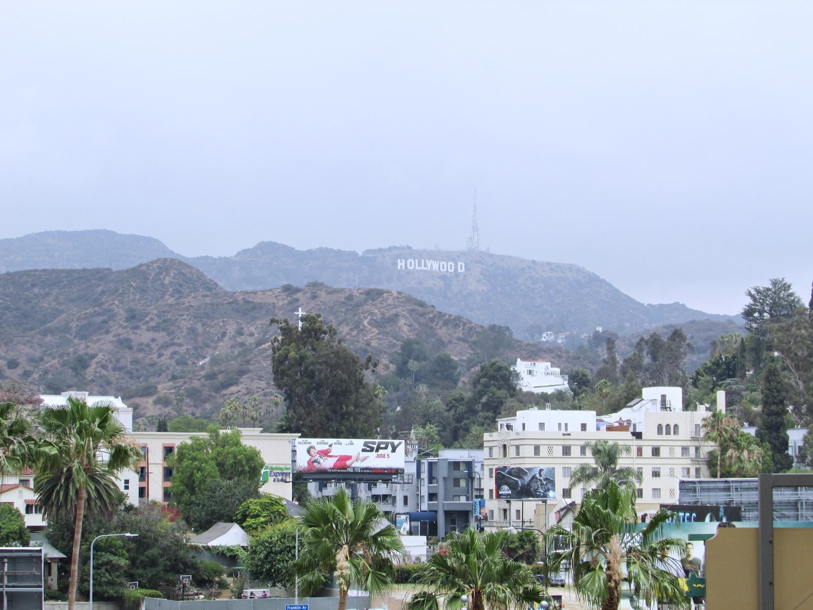 Hollywood Hills Sign - USA Roadtrip - Amerika Rundreise - Fashionladyloves by Tamara Wagner - Travelblog