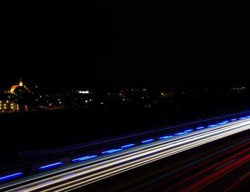Lichtzieher Fotografie - Foto Tipps und Tricks - Photography Tips - Langzeitbelichtungen - Autobahn - Autos und Rettung mit Blaulicht - Graz - Fashionladyloves by Tamara Wagner Lifestyleblog