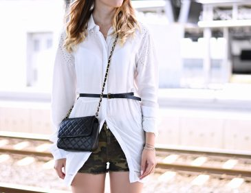 Camouflage Shorts kombinieren - weiße Hemdbluse - white shirt - Fashion Mode Trend Look Style Outfit sommerlich - Fashionladyloves by Tamara Wagner - Fashionblog Mode Blog