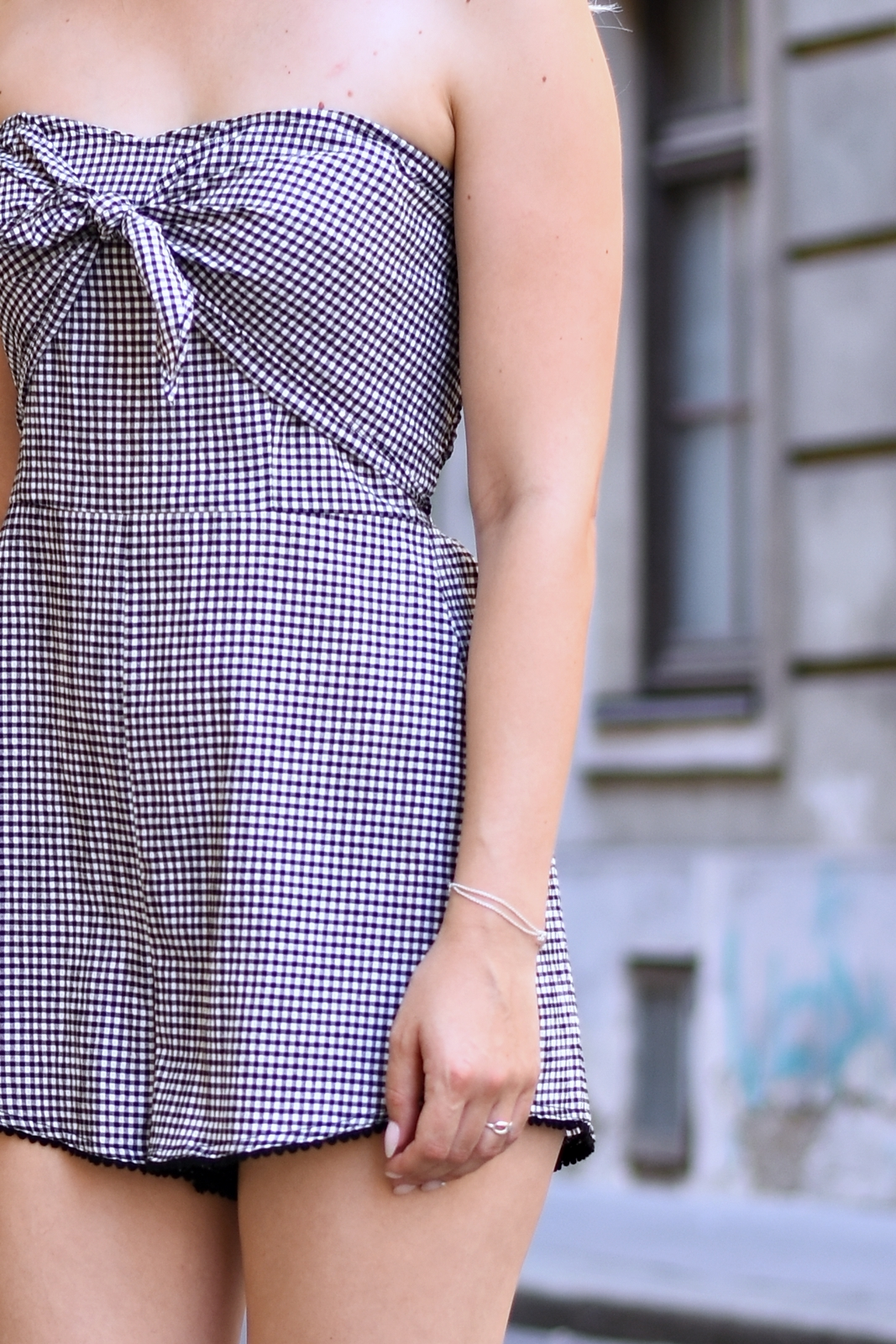 Der Gingham Jumpsuit - Blogparade - Outfit - Mode - Fashion- Style - Streetstyle - modern - stylish - Trend - High Heels - Crossbody Bag - Tiffany&Co - Fashionladyloves by Tamara Wagner - Fashionblog - Styleblog - Modeblog aus Graz - Lifestyle Bloggerin