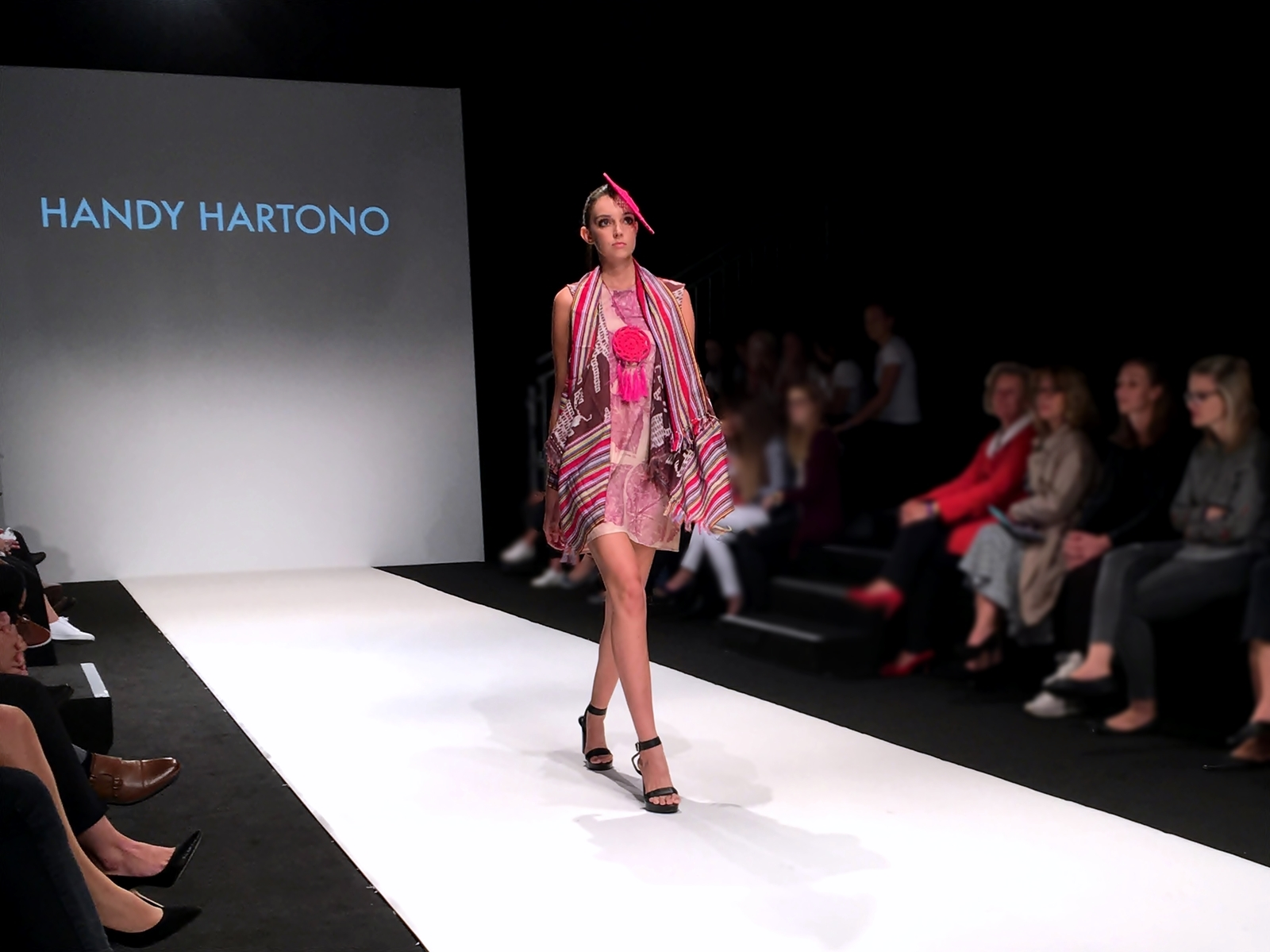 Vienna Fashion Week 2017 - Laufsteg - Show - Handy Hartono Designer - Fashionladyloves by Tamara Wagner - Fashion Blog