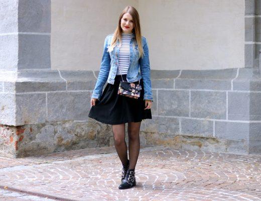 Die Jeansjacke kombinieren - Zeitlose Modeklassiker die in keinem Kleiderschrank fehlen dürfen - Styling Tipps - Outfit Inspiration - Fashion - Mode - Trends - Klassiker - Jeansjacke - Streifenshirt - Rock - Nieten Boots - Cross Body Bag - Fashionladyloves by Tamara Wagner - Fashion Blog - Mode Blog aus Graz Österreich