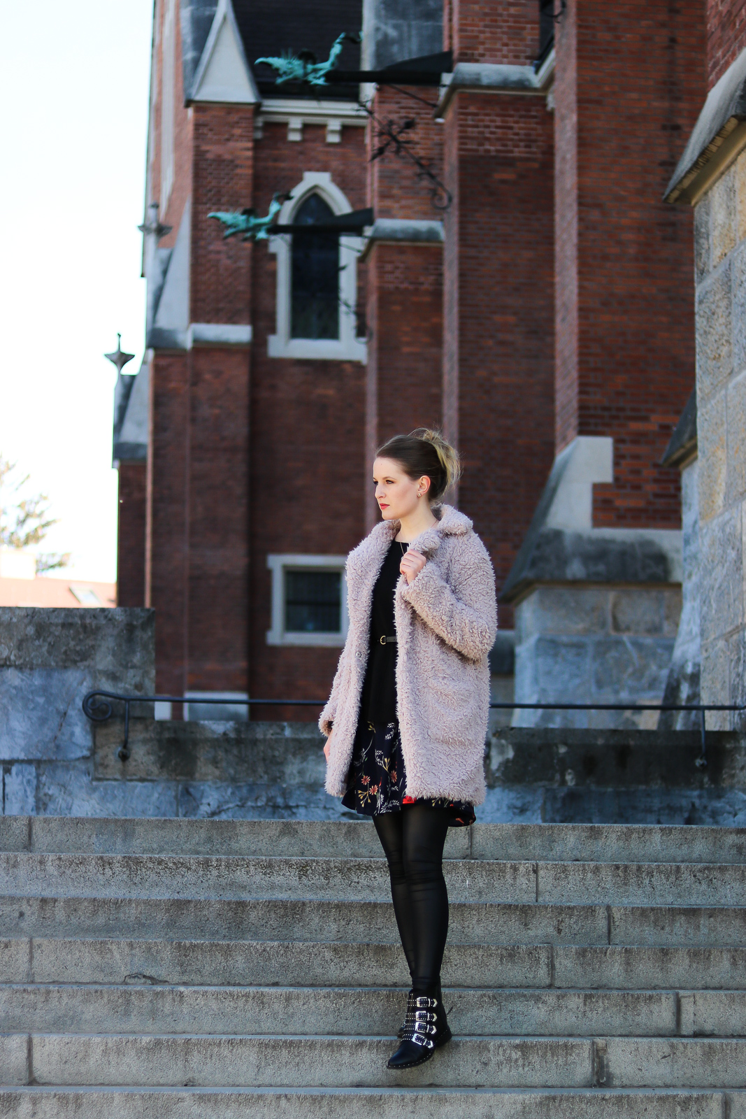 Fashion Lookbook Winter - winterliche Outfit Kombinationen - Winter Looks - Outfits für den Winter - Winter Mode Trends - Fashionladyloves by Tamara Wagner - Mode Blog Fashion Blogger aus Graz Österreich