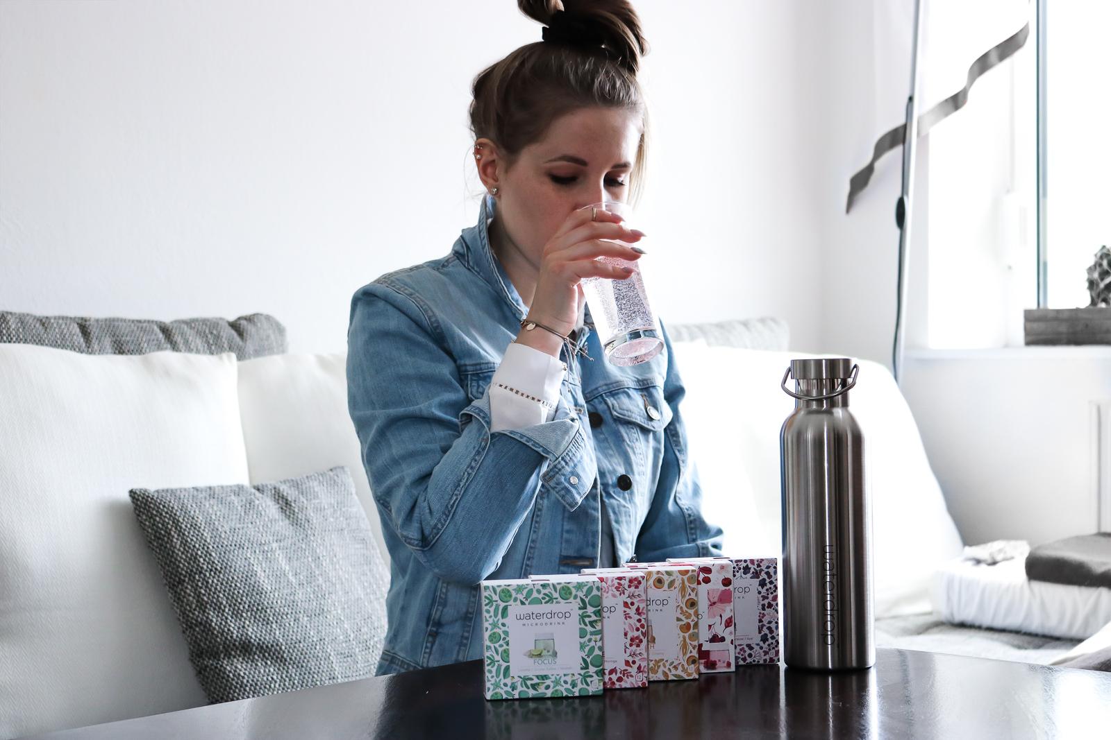 Trinken nicht vergessen - Tipps um mehr Wasser zu trinken - Trinktipps - genügend Wasser trinken mehr Wasser trinken - deine tägliche Wasserzufuhr erhöhen - so schaffst du es im Alltag mehr Wasser zu triken - Waterdrop Gutscheincode - Fashionladyloves by Tamara Wagner - Lifestyle Blog aus Graz Österreich