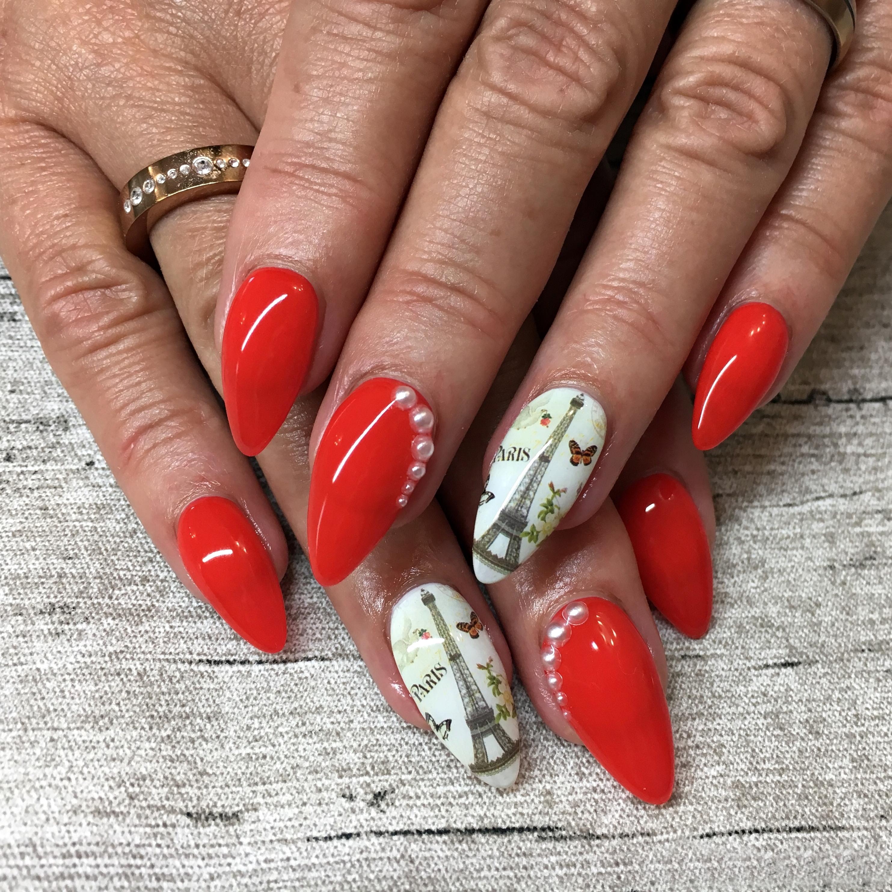 Nail Art Inspiration Spring Summer - Nageldesign für den Sommer - Nageldesign mit Rot und dem Eiffelturm - Paris Nägel - Nägel auffällig gestalten - Fashionladyloves by Tamara Wagner