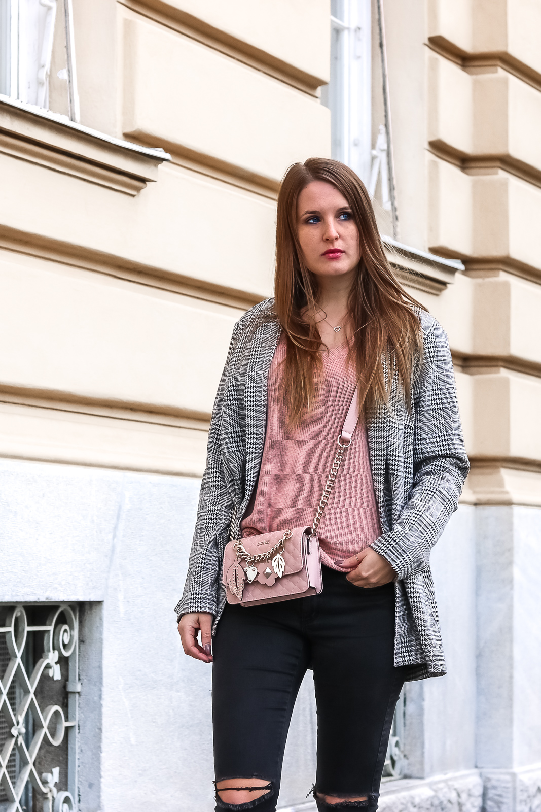 Der Blazer Trend - entdecke die schönsten Modelle - Blazer shoppen - Blazer Trends - Blazer kombinieren - Modetrend 2019 - Blazer stylen - Blazer mit Gürtel - schönen Blazer kaufen - Fashionladyloves by Tamara Wagner - Modeblog