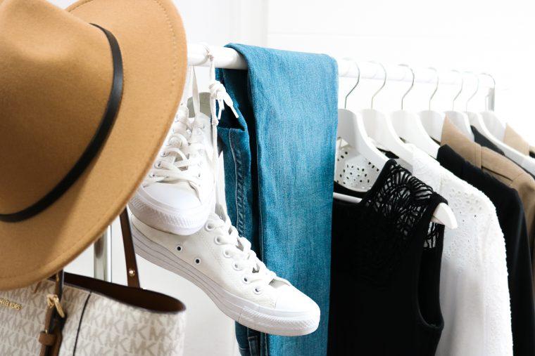 Diese 10 Fashion-Basics gehören in jeden Kleiderschrank - Mode Basics für den perfekten Look - Diese Kleidungsstücke gehören in deinen Kleiderschrank - Must-haves im Kleiderschrank - Mode Klassiker - Kleidungsstücke für den perfekte Style Fashionladyloves by Tamara Wagner - Mode Blog
