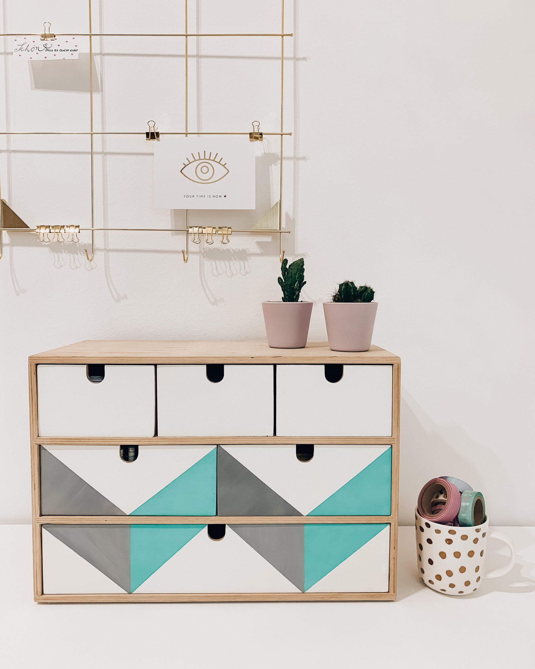 IKEA Hack - Ikea Moppe Hack Mini Kommode - Mini Kommode umgestalten - Kommode bemalen mit Kreidefarbe und Acrylfarbe - DIY - Interieur DIY - Fashionladyloves by Tamara Wagner